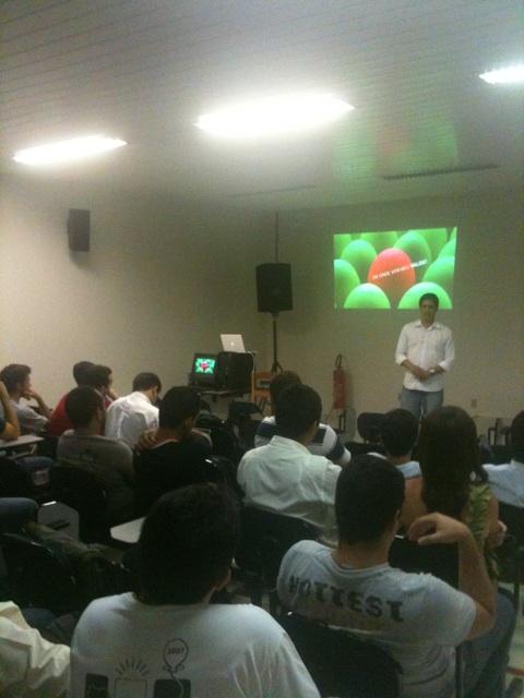 Foto do palestrante Pigor em sua apresentação